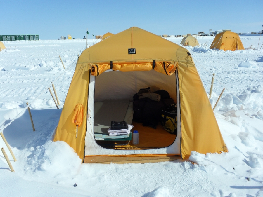 & Arctic Oven tent | ARCUS Internet Media Archive